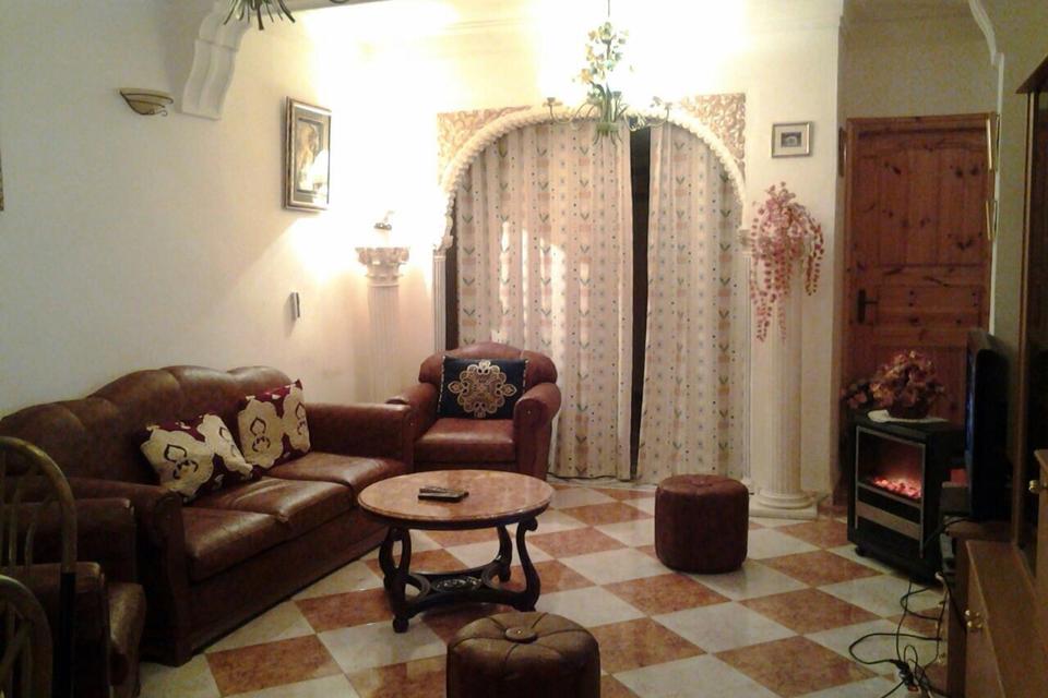 superbe. Black Bedroom Furniture Sets. Home Design Ideas